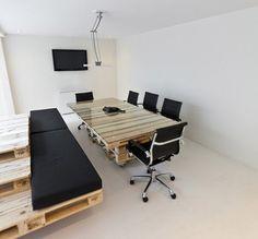 wood-pallet-desk-2