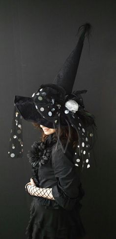Halloween and Fall Photography are just ridiculously fun aren't they? Witch Party, Halloween Witch Hat, Holidays Halloween, Fall Halloween, Halloween Decorations, Halloween Stuff, Halloween Makeup, Halloween Weddings, Halloween Queen