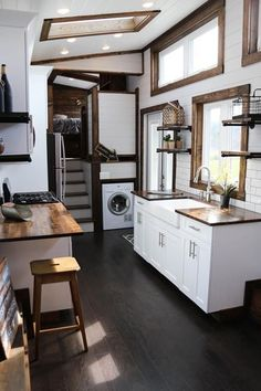 "Tiny House Plans 537617274267563848 - ""Mini Mansion"" Gooseneck Tiny Home on Wheels by Tiny House Chattanooga Tiny House Movement // Tiny Living // Tiny House Kitchen // Tiny Home Appliances // Source by Tyni House, Tiny House Cabin, Tiny House Living, Tiny House Plans, Tiny House On Wheels, Homes On Wheels, Best Tiny House, Modern Tiny House, Tiny House Design"