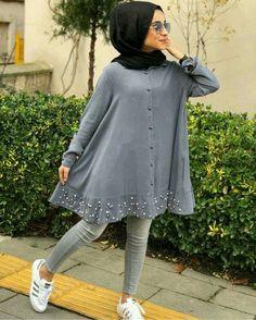 Stunning Button Front Tunic Outfit Ideas for Hijabies Girls Hijab Style & Hi İslami Erkek Modası 2020 Modest Fashion Hijab, Modern Hijab Fashion, Street Hijab Fashion, Muslim Women Fashion, Arab Fashion, Hijab Fashion Inspiration, Hijab Chic, Casual Hijab Outfit, Fashion Wear
