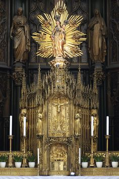 The exquisite tabernacle of Maria am Gestade (Saint Mary on the Shore), which features both Gothic and Baroque elements. I visited this church a few years ago. It is one of Vienna's loveliest churches.