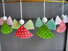Paper Cupcake Liner Angels #PaperCrafts #ChristmasCrafts
