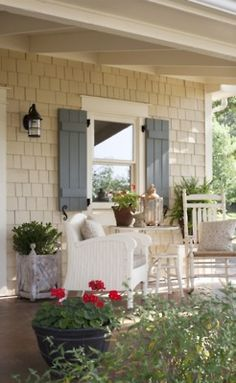 LOVELY front porch!