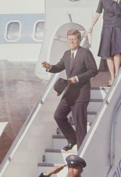 The Love Story of Bunny and Jacks John Kennedy, Les Kennedy, Caroline Kennedy, American Presidents, Us Presidents, Reagan Bush, Jfk Jr, John Fitzgerald, Drame