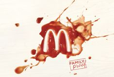 McDonald's is reasserting itself as a family friendly restaurant, with an aim reassert their positioning as a place of fun and play courtesy of these striking visuals. Food Advertising, Creative Advertising, Advertising Poster, Advertising Design, Logo Tutorial, Poster Design Layout, Poster Ads, Print Ads, Mcdonalds