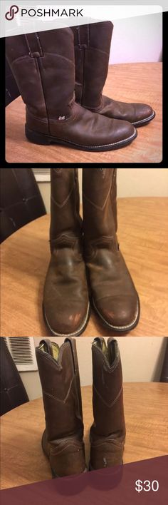 Woman's Justin's brown boots Size 7 they have some scratches and scuffs but still in great condition Justin Boots Shoes