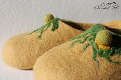Felted wool slippers-Home shoes-made to order by NordiskFilt on Etsy Felted Wool Slippers, Wool Felt, Trending Outfits, Unique Jewelry, Handmade Gifts, Etsy, Shoes, Kid Craft Gifts, Zapatos