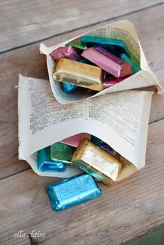 Book Page Treat Bags Tutorial - Ella Claire Book Pages, Book Club Books, Book Club Parties, Book Page Crafts, Crafts For Book Lovers Diy, Craft Books, Craft Art, Book Projects, Book Themes