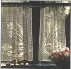 Needle-Works Butterfly: Filet Crochet Curtains - This site offers a chart for each design without instructions. Crochet Curtain Pattern, Crochet Curtains, Curtain Patterns, Crochet Tablecloth, Easy Crochet Patterns, Crochet Designs, Crochet Doilies, Floral Curtains, Cafe Curtains