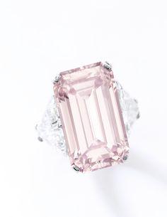 Magnificent 17.07 carats VVS1 Clarity step-cut fancy intense pink diamond ring