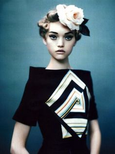 Gemma Ward by Paolo Roversi for Vogue Italia December I just really think this is beautiful! Paolo Roversi, Gemma Ward, Ellen Von Unwerth, Steven Meisel, Richard Avedon, Ansel Adams, Man Ray, Jean Paul Goude, Fashion Foto