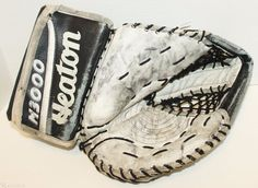 HEATON M-3000 VINTAGE SR ADULT ICE HOCKEY GOALIE GEAR GLOVE EQUIPMENT WELL USED #Heaton