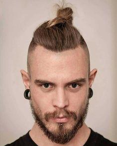15 Best Man Bun Undercut Hairstyles - Men's Hairstyle Tips #undercut #undercuthairstyle #undercutfade #mensundercut #manbun #manbunundercut #mandbunfade #manbunbraids #lowfade #highfade #skinfade 80s Hairstyles Male, Man Bun Hairstyles, Hipster Hairstyles, Men's Hairstyle, Viking Hairstyles, Spiky Hairstyles, Male Haircuts, Medium Hairstyles, Hairstyle Ideas