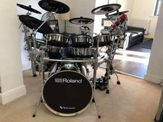 Drums Electric, How To Play Drums, Drum Sets, Snare Drum, Engine, Wallpapers, Random, Amazing, Ideas