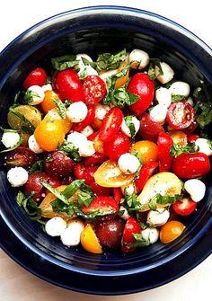レシピとお料理がひらめくSnapDish - 79件のもぐもぐ - salade with tomatoes and mozarella cheese by Hans de Kruijf