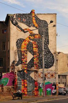 Street art in Bucharest, Romania, by Bucharest-based artist Obie Platon. Urban Street Art, Best Street Art, Urban Art, Street Installation, Artistic Installation, Grafitti Street, Graffiti Art, Art Mural, Fantastic Art