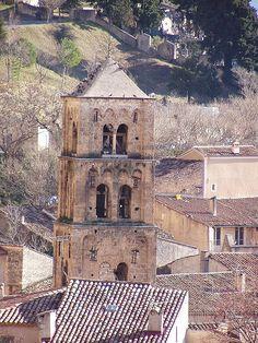 Le clocher du village de Moustiers Sainte Marie. Verdon, Provence,Alpes de haute Provence