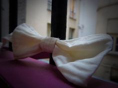 """Noeud papillon """"Je M'écris"""" by Onissia www.maisononissia.wordpress.com Ballet Dance, Ballet Shoes, Dance Shoes, Wordpress, Creations, Women's Feminine Outfits, Hair Bow, Butterflies, Ballet Flats"""