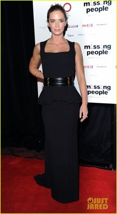 Emily Blunt :Alexander McQueen dress, a Swarovski clutch, Ofira jewels, and Graziela earrings.- London Critics Circle Awards!