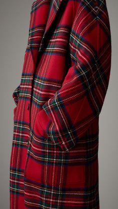 Tartan Double-faced Wool Cashmere Oversized Coat in Bright Red/dark Grey - Women Komplette Outfits, Winter Outfits, Fashion Outfits, Womens Fashion, Tartan Fashion, Look Fashion, Tartan Plaid, Plaid Scarf, Tweed