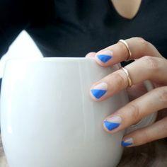 Minimal nail art look with a retro feel.