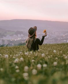Image discovered by Shelly Stuckman. Find images and videos about girl, photography and nature on We Heart It - the app to get lost in what you love.