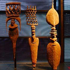Totemic / Melanesia, Carved door finials, mid 19th c. Musée du Quai Branly.