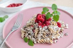 Fitness recepty s vysokým obsahom bielkovín Sweet Recipes, Healthy Recipes, Granola, Pasta Recipes, Acai Bowl, Smoothie, Sweet Tooth, Sweet Treats, Vegan