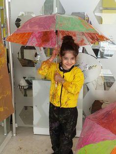 Coloring the umbrellas at FreeBees