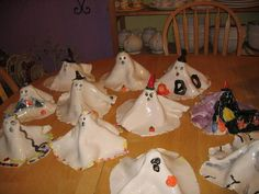 for halloween ghosts. cute idea to do with your pinch pot workshops Jenn