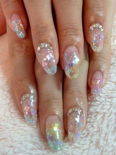 I noted that mermaid nail design is quite popular these cold days. Because... The winter, you know. Girls are dreaming about the hot summer, relaxing on a sea beach ♥ I like wat