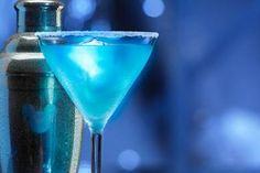 DIY Disney Drinks   Blue Glowtini & More from 50s Prime Time Café in Walt Disney World