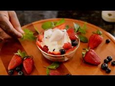 Crema Mexicana: The Authentic Mexican Sour Cream - YouTube