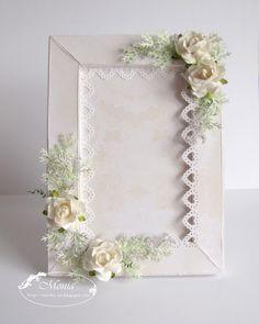 Stunning paper frame ... found here ... http://monika-jot.blogspot.com/search?updated-max=2012-01-09T11:12:00%2B01:00=4=48=false