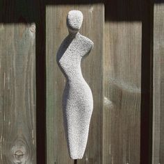 Stone Sculpture, Sculpture Clay, Ceramic Figures, Ceramic Art, Sculptures Céramiques, Garden Sculptures, Plastic Art, Stone Carving, Land Art