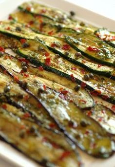 Zucchini and eggplant for appetizer World Recipes, Veg Recipes, Italian Recipes, Healthy Recipes, Antipasto Recipes, Zucchini, Grilled Eggplant, Eggplant Recipes, Finger Food Appetizers