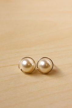 Simple DIY Pearl Stud Earrings