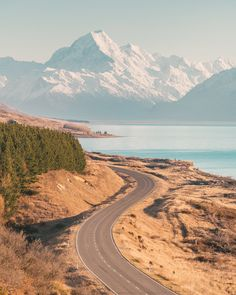 12 Must See Places On The South Island Of New Zealand - Renee Roaming Places To Travel, Places To See, New Zealand Country, Marlborough Sounds, Voyager Loin, New Zealand Travel, Blog Voyage, South Island, Travel Aesthetic