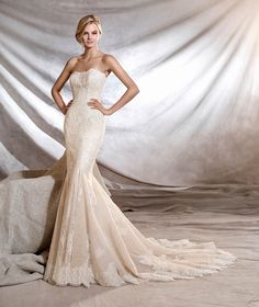 ORINOCO - Wedding dress, fitted to the hips, mermaid style