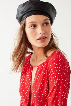 Shop Faux Leather Beret at Urban Outfitters today. We carry all the latest styles, colors and brands for you to choose from right here. Fashion 2018, Fashion Trends, Fall Winter Outfits, Beret, Fashion Stylist, Who What Wear, Urban Outfitters, Celebrity Style, Stylists
