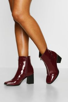 Shoes Boots Ankle, Block Heel Boots, Block Heels, Bootie Boots, Womens Golf Shoes, Fashion Boots, Girls Shoes, Summer Feet, Summer Shoes