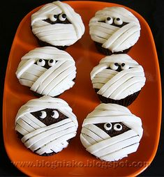 Mummy cupcakes / halloween party food