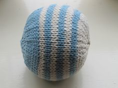 1 ball main color yarn, one ball contrasting color yarn. Suitable for using up scraps. 2 large bells