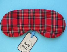 Red Tartan Woven Cotton Eye Mask  -100 % Soft Cotton Tartan Plaid woven Fabric outer. -Softly padded. -Elastic to keep in place -Plain black cotton sateen fabric on reverse. -measures approx 18cm across <------- > -Diamond Desola - Hang tag & ribbon in cellophane pack (see pic) -A lovely gift UK - Made  UK Postage & Packing included. e v a s e m p o r i u m =^..^=