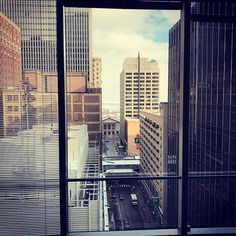 Having a great day at today with a nice view on the 🙌🏼 ❄️ Art Institute Of Chicago, Have A Great Day, Nice View, Skyscraper, Multi Story Building, Around The Worlds, Travel, Skyscrapers, Viajes
