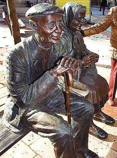 Esculturas de bronce en Burgos                                                                                                                                                                                 Más