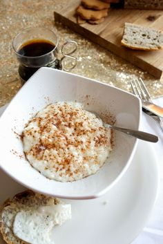 Riisipuuro, jota ilman jouluaatto ei ala.  Rice porrige, the key element of Finnish Chrismas morning. From Hämmentäjä blog.