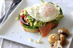Top notch breakfast – poached egg and smoked salmon open sandwich » ELIMINATE the bread from this recipe or server over sliced cucumber.