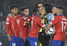 Gary Medel en un Chile - Uruguay