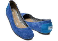 TOMS Ballet flats are now avalible! I want these blue ones!